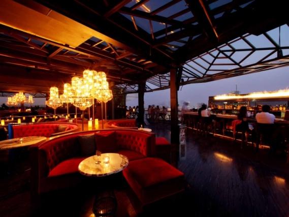 tempat makan malam yang romantis