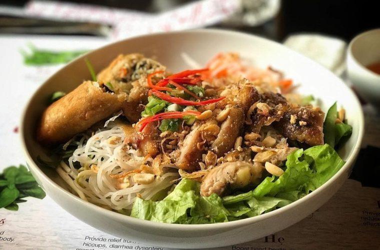 Kaya Akan Rasa 5 Makanan Khas Vietnam Ini Patut Anda Coba