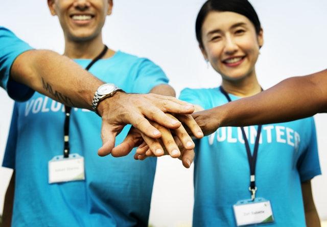 cara move on dari gebetan - jadi relawan
