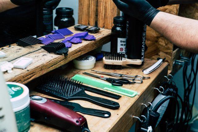 model rambut pria yang disukai wanita - tips merawat rambut pria