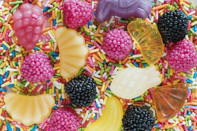 10 Kebiasaan Penyebab Gigi Berlubang Yang Tidak Kamu Sadari