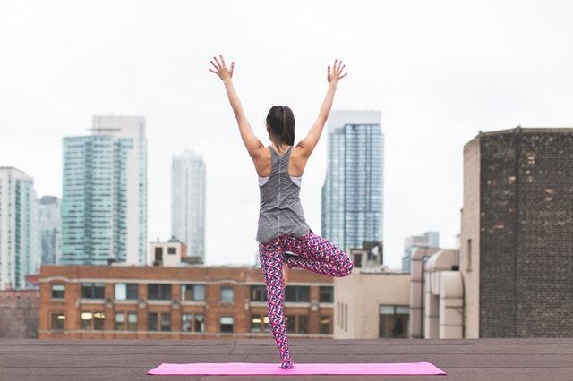 olahraga mengecilkan paha - yoga