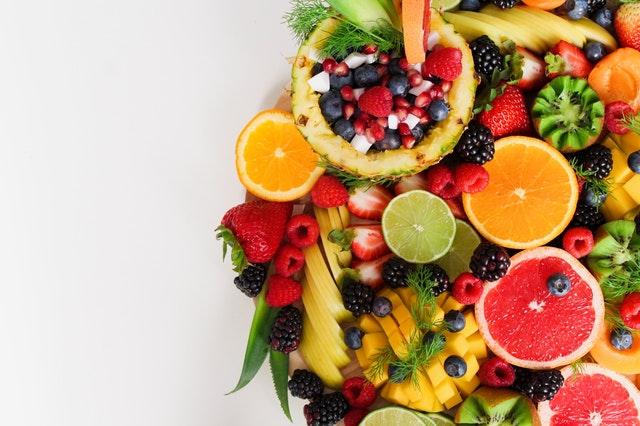 Cara Memuluskan Wajah - Konsumsi Makanan yang Menyehatkan Kulit