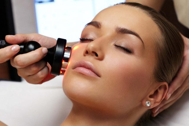 Cara Memuluskan Wajah - Radio-Frequency Treatment