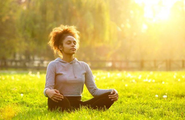 Cara Menghilangkan Stres Pikiran - Coba Teknik Bernafas 4-7-8