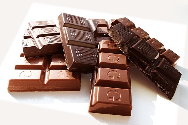 Cara Menghilangkan Stres Pikiran - Makan Makanan yang Mengandung Cokelat