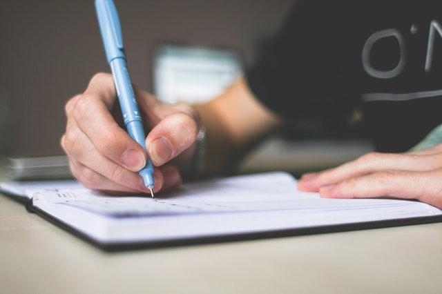 Cara Menghilangkan Stres Pikiran - Tuliskan Perasaan Kamu