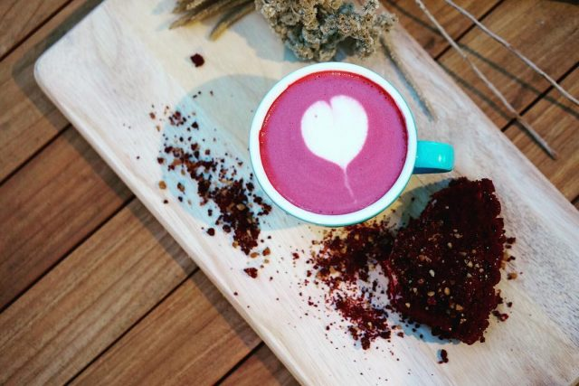 Kopi Terenak Kekinian di Jakarta - Red Velvet Latte