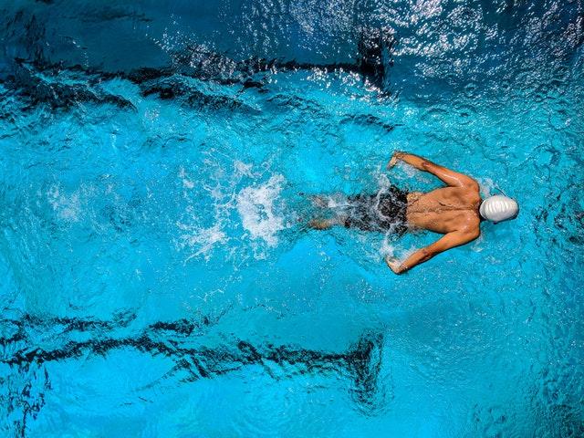 Olahraga untuk Meninggikan Badan - Renang
