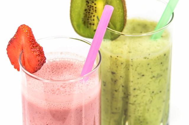 Tips Menggemukkan Badan - Minum Susu dan Smoothies