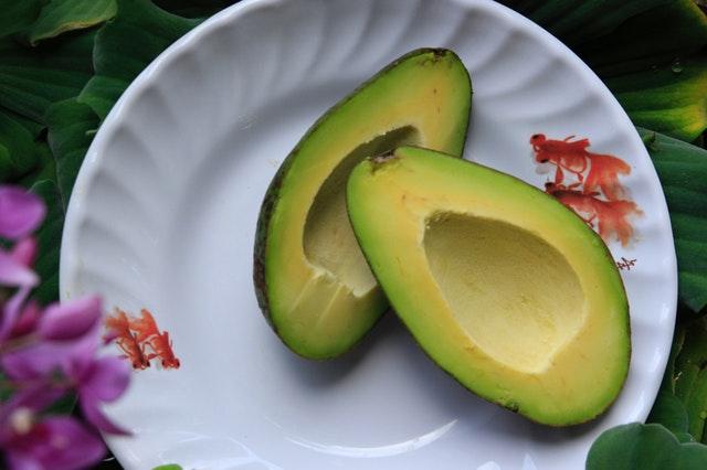 makanan penurun kolesterol - alpukat
