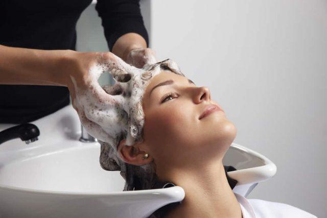 Cara Menebalkan Rambut - Hair Mask atau Hair Spa