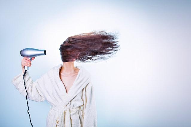 Cara Mengatasi Rambut Mengembang - Penyebab Rambut Mengembang