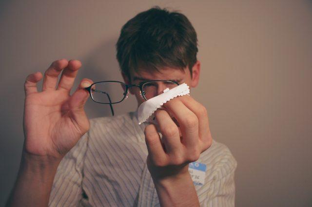 Kacamata Gaul - Membersihkan Kacamata dengan Benar