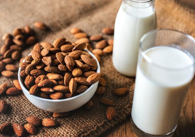 Makanan Berprotein Tinggi - Kacang Almond