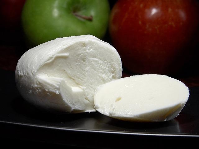 Makanan Berprotein Tinggi - Keju Mozarella
