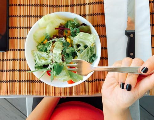 Rahasia Muka Glowing Alami - Makan Makanan Kaya Kolagen