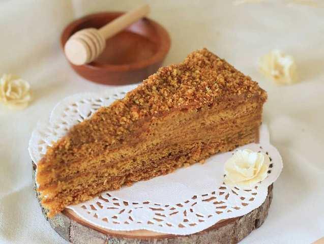 Makanan Enak Honey Cake