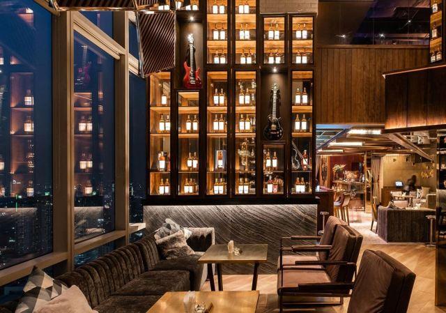 Tempat dinner romantis di M Bar