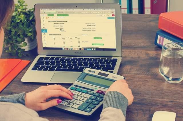 sulitnya mengatur keuangan pribadi