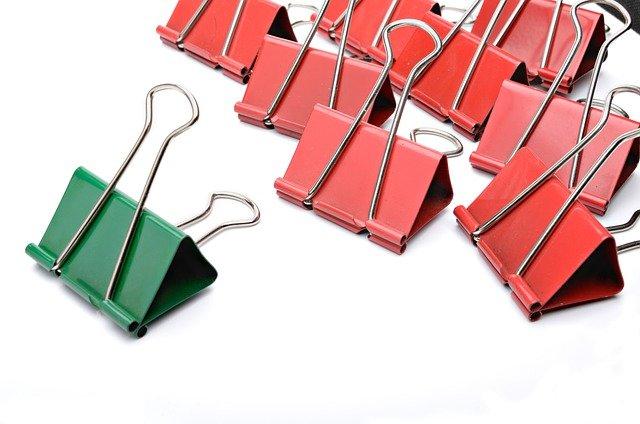 peralatan sekolah - paper clips