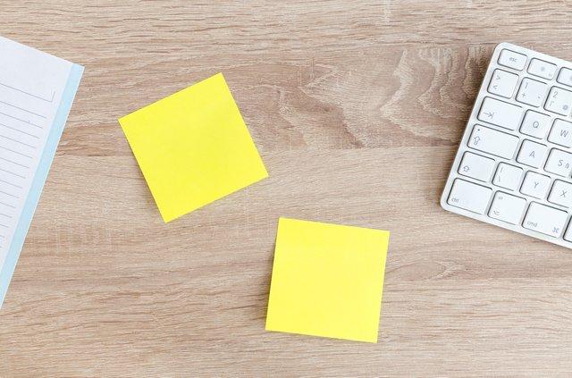 alat tulis kantor - sticky notes